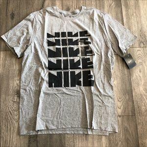 (NWT) Nike Graphic T Shirt